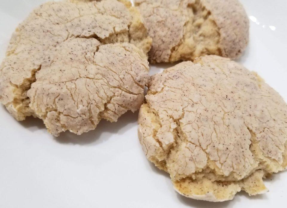 cinnamon vanilla crinkle cookies