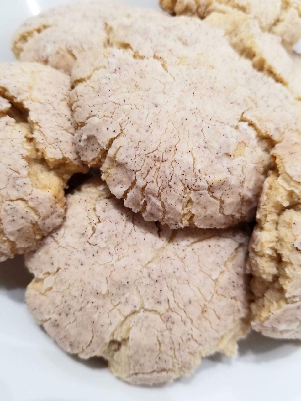 vanilla cinnamon crinkle cookies