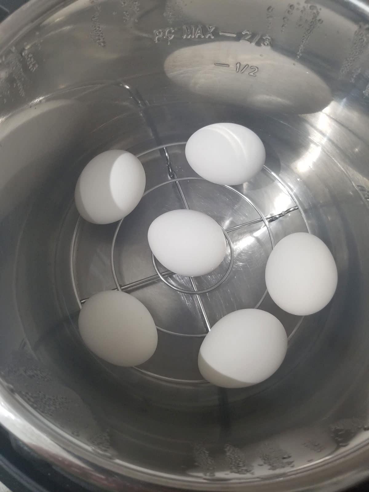 boil eggs in instant pot