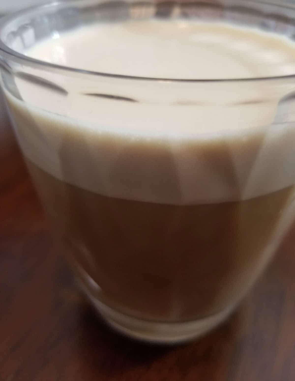 instant cold coffee with milk